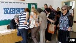 Građani na Kosovu glasaju u drugom krugu srpskih predsedničkih izbora