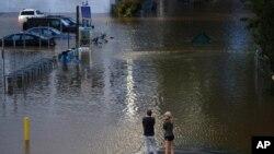 Đường phố Philadelphia bị ngập vì bão Ida, ngày 2/9/2021.
