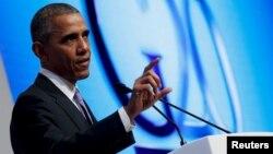 ປະທານາທິບໍດີ ສະຫະລັດ ທ່ານ Barack Obama ຖະແຫລງຕໍ່ບັນດານັກຂ່າວ ຢູ່ກອງປະຊຸມສຸດຍອດ G-20 ຢູ່ ບ່ອນຕາກອາກາດ ເມືອງ Kaya Palazzo ປະເທດ Turkey.