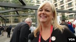 """Mary Jordan, a """"Tea Party"""" activist. (M. O'Sullivan/VOA)"""