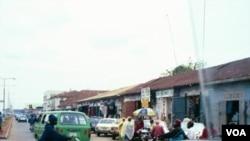 Pusat kota Jos, Nigeria tengah di mana sering terjadi bentrokan agama dan etnis.