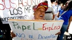 La oposición asegura que la falta de papel es una medida del gobierno de Venezuela para impedir la libertad de información en el país.
