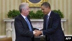 Italijanski premijer Mario Monti i predsednik Barak Obama tokom susreta u Beloj kući