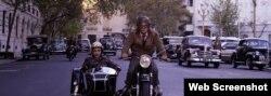 «گائل گارسیا برنال» در صحنهای از فیلم «نرودا» از «پابلو لورین« کارگردان شیلیائی (Courtesy: The Orchard)