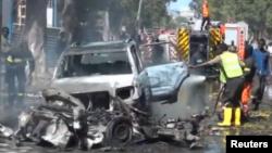 Les forces de sécurité déployées après un attentat à la voiture piégée à Mogadiscio, Somalie, 10 octobre 2016.