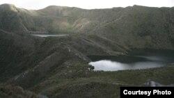 Las fuentes de agua están seriamente amenazadas por el cambio climático y la falta de políticas oficiales. Laguna a tres mil metros en cercanías a Bogotá, Colombia.