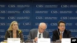 '2012년 북한: 식량안보 전망' 을 주제로 워싱턴 전략국제문제 연구소 주최 토론회에 참석한 전문가들