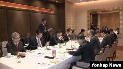 지난해 10월 서울의 한 호텔에서 통일준비위원회 정부위원협의체 1차회의가 열리고 있다. (자료사진)