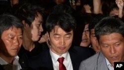 Dân biểu Lee Seok Ky của Đảng Thống nhất Tiến bộ bị tố cáo âm mưu thực hiện một vụ nổi loạn để ủng hộ Bắc Triều Tiên.