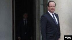 ທ່ານ Francois Hollande ໄດ້ລົງນາມໃນຮ່າງກົດໝາຍ ໃນວັນເສົາມື້ນີ້ ອະນຸຍາດໃຫ້ຄົນເພດດຽວກັນ ມິສິດແຕ່ງງານກັນໄດ້.
