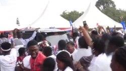 Wananchi wa Ghana wakiuka agizo la kuvaa barakoa wakati wa kampeni