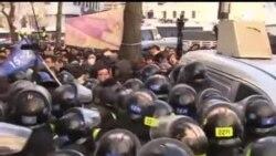 2013-12-22 美國之音視頻新聞: 南韓鐵路工會罷工進入第14天