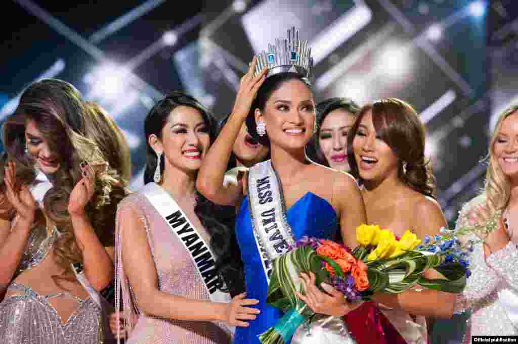 Miss Universo 2015 e Miss Myanmar