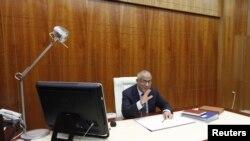 利比亚总理扎伊丹3月10日在的黎波里接受路透社采访
