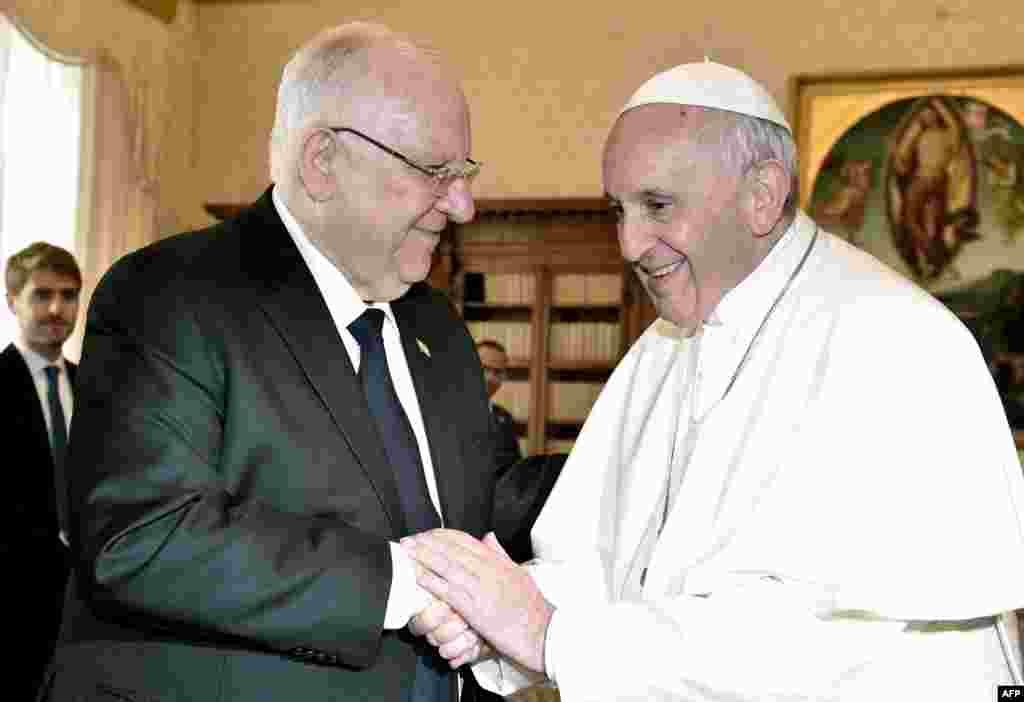 دیدار پاپ فرانسیس، رهبر کاتولیک های جهان با رووین ریولین، رئیس جمهوری اسرائیل در واتیکان.