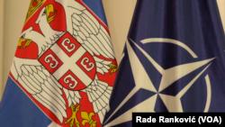 Zastave Republike Srbije i NATO