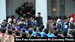 Presiden Jokowi menjadi Inspektur Upacara Peringatan Hari Lahir Pancasila ke 72, yang diselenggarakan di Halaman Gedung Pancasila Kementerian Luar Negeri RI, Jakarta, 1 Juni 2017 (Courtesy Photo: Biro Pres Kepresidenan RI)