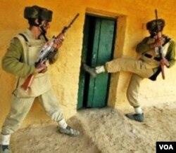 Polisi India saat melakukan latihan operasi anti teror di wilayah Jammu-Kashmir (foto: dok.)