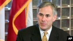 Bộ trưởng Tư pháp Texas và là ứng cử viên thống đốc của đảng Cộng hoà Gregg Abbott nói luật lệ về căn cước sẽ ngăn chặn gian lận bầu cử.