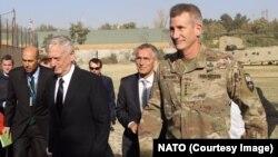 جنرال متیس و ینس ستولتنبرگ صبح چهارشنبه به افغانستان رسیدند