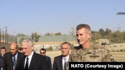 Amerika Savunma Bakanı James Mattis ve NATO Genel Sekreteri Jens Stoltenberg Afganistan'ı ziyaret ediyor