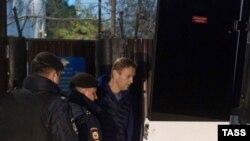 Алексея Навального снова задержали, едва он вышел из спецприемника. 24 сентября 2018