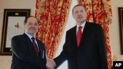 Serokê Herêma Kurdistana Îraqê Mesûd Barzanî û Serokwezîrê Tirkîyê Recep Tayyip Erdogan (arşîv).