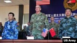 美軍太平洋陸軍司令部司令布朗2016年11月15日率部隊參與美中救災聯合演練(美國陸軍照片)