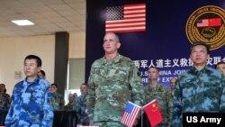 美军太平洋陆军司令部司令布朗2016年11月15日率部队参与美中救灾联合演练 (美国陆军照片)
