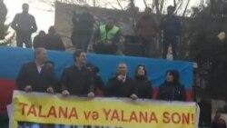 Mitinqdə Milli Şuranın sədri Cəmil Həsənli çıxış edib