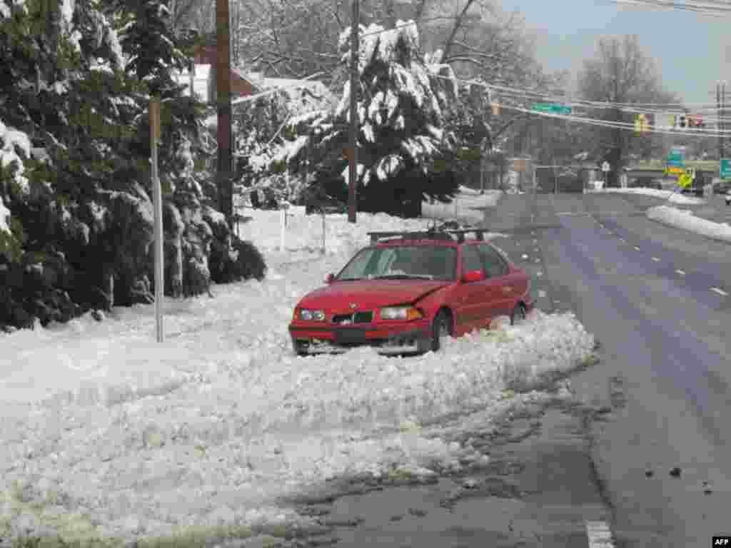 Восточные районы США парализованы снегопадами