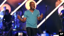 Darius Rucker performs at the 2013 CMT Music Awards at Bridgestone Arena in Nashville, Tennessee, June 5, 2013.