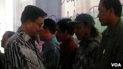Menteri Agraria dan Tata Ruang RI Ferry Mursyidin Baldan (kiri).