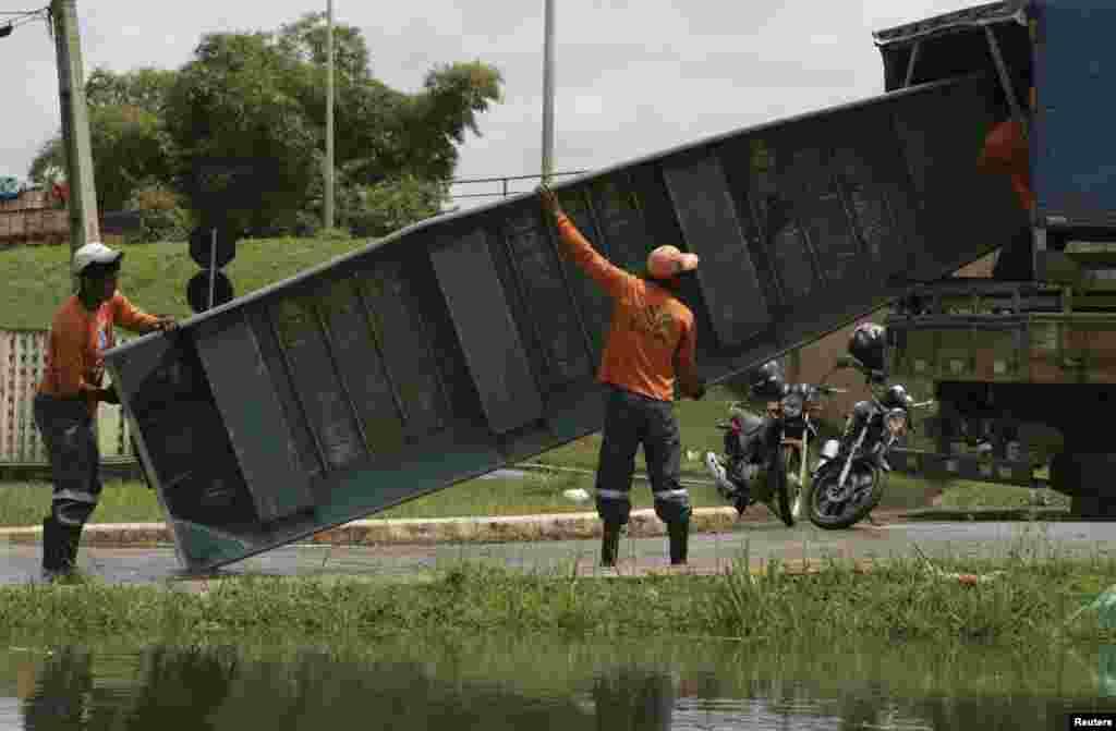 شہر میں لگ بھگ 2500 گھر سیلاب سے متاثر ہوئے ہیں۔