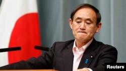 지난 29일 스가 요시히데 일본 관방장관 북-일 교섭 결과와 관련하여 기자회견을 가지고 있다. (자료사진)