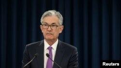 Jerome Powell, presidente de la Reserva Federal, o Banco Central de EE.UU., habla con periodistas luego de la reunión de dos días del Comité de Políticas de Mercados Abiertos de la Fed, en Washington, el 30 de enero de 2019.