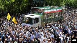 伊朗為被伊斯蘭國襲擊的死者舉行喪禮