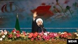 Tổng thống Iran Hassan Rouhani trong lễ kỷ niệm 35 năm cuộc cách mạng Hồi Giáo.