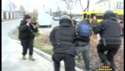 Українці підступаються до Межигір'я