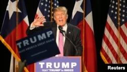 دونالد ترامپ نامزد احتمالی جمهوریخواهان به بیان اظهارات جنجالی شهرت دارد.