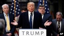 미국 대선에 출마한 도널드 트럼프 공화당 후보가 지난 21일 워싱턴 DC의 구 우체국 건물에서 열린 유세에서 연설하고 있다.