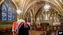 Jenazah mantan perdana menteri Inggris Margaret Thatcher disemayamkan di Kapel Crypt of St. Mary Undercroft, di Gereja Westminster London.