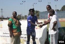 Lloyd Munhanga, Morgan Mungombe, Tumediso Mukwena lo James Rugwevera.