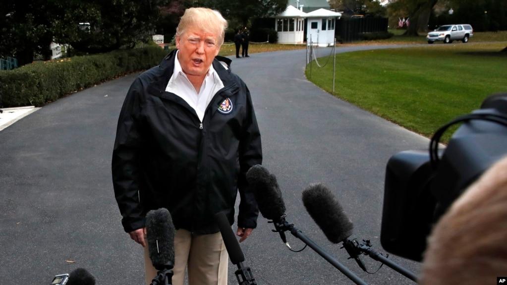 """El presidente Donald Trump Indicó que ya habían """"millones de personas?"""" haciendo fila para entrar legalmente en el país."""