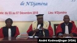 Les juges de la Cour d'appel de N'Djamena, le 3 décembre 2018. (VOA/André Kodmadjingar)