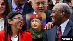 """Delcy Rodríguez, Diosdado Cabello y Aristóbulo Istúriz durante la instalación de la Asamblea Constituyente, ahora un """"supra poder"""" en Venezuela."""