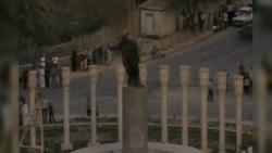 10 il əvvəl Səddam Hüseynin heykəli yıxıldı