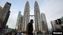 မေလးရွားႏိုင္ငံ Kuala Lumpur ၿမိဳ႕ရွိ Twin Tower အနီးက ျမင္ကြင္း။ (ၾသဂုတ္ ၁၁၊ ၂၀၂၀)