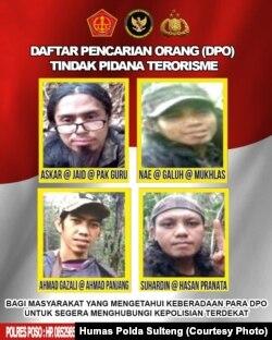 Foto dan identitas dari empat orang anggota kelompok MIT yang berada dalam Daftar Pencarian Orang (DPO) Tindak Pidana Terorisme. (Foto: Courtesy/Humas Polda Sulteng)