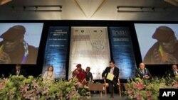 Духовний лідер Тибету Далай Лама під час саміту у японському місті Хіросіма